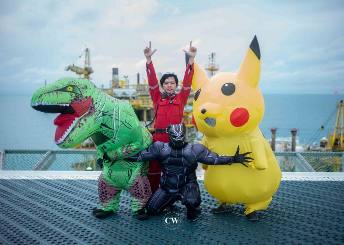 Offshore Christmas 2020 (ft. Pikachu, T-Rex & Black Panther)